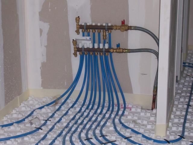 plancher chauffant rxlr chauffage et climatisation dans. Black Bedroom Furniture Sets. Home Design Ideas